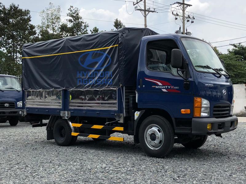 Xe Tải Hyundai N250 2T5 Thùng Bạt